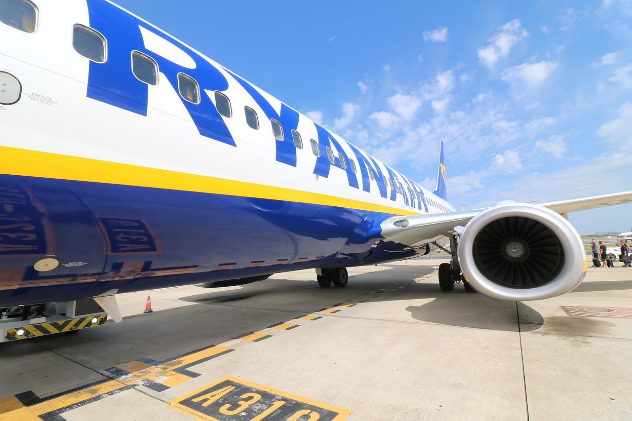 Aircraft 2410190 1280