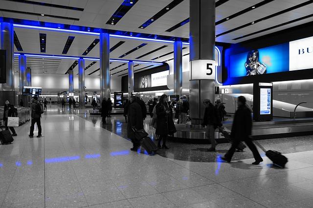 Suitcases_airport
