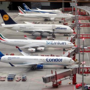 Parked_planes